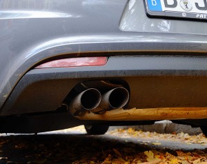 VW from behind, Slowly Spoken German News